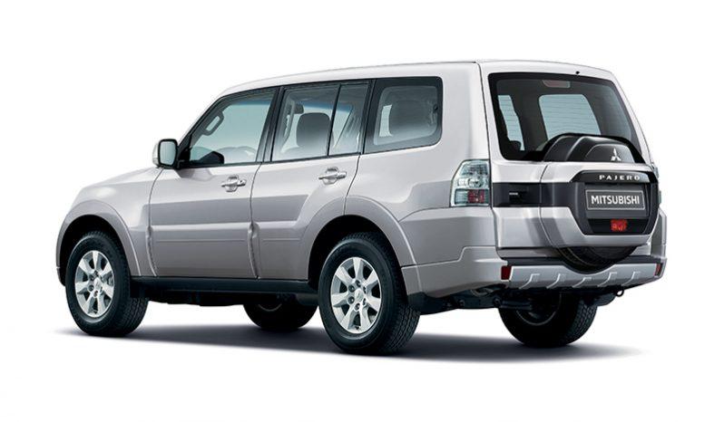 2020 Mitsubishi Pajero Executive Diesel 3.2L full