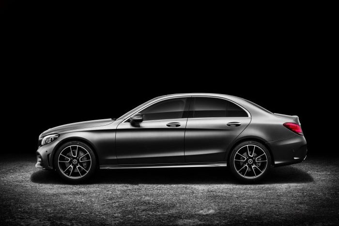 2020 Mercedes-Benz C300 full